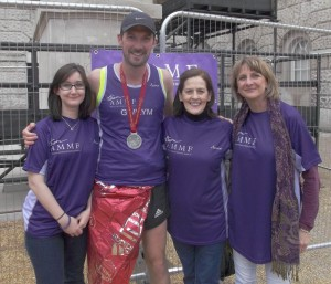 Gwilym Lee with l to r, AMMF's Stephanie, Helen and Debbie